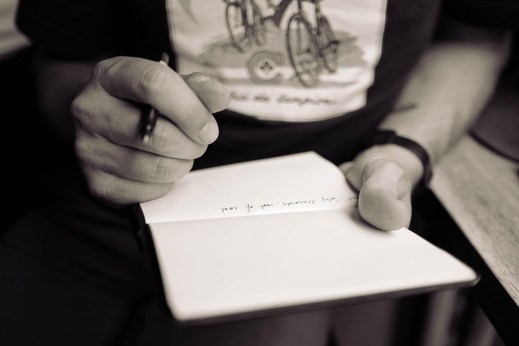 Afbeelding handen die schrijven